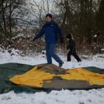 Highflights baut ein Zelt